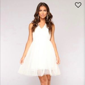 Pearl prize tulle dress white